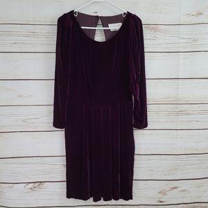 Eileen West | Velvet Open Back Vintage Pleat Dress